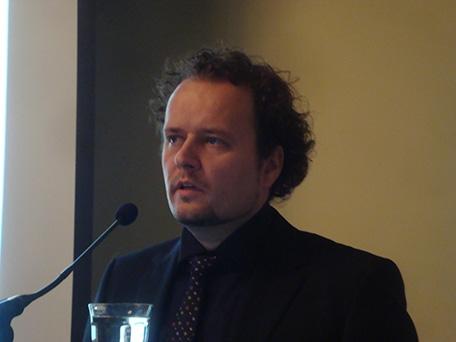 Fot: Mark van Stiphout (Europese Commissie, Directoraat-Generaal Energie) spreekt op PBL/ECN symposium duurzame energie 2011