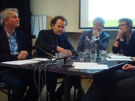 Foto: PBL/ECN symposium duurzame energie panel, Wijnand Duyvendak, Mark van Stiphout, Anton Broenink, Joke de Vroom